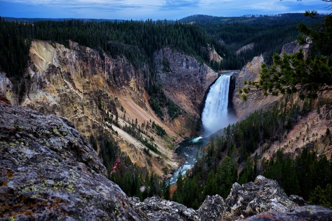 waterfall yellowstone NP